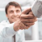 Poignée de main, rencontre professionnelle